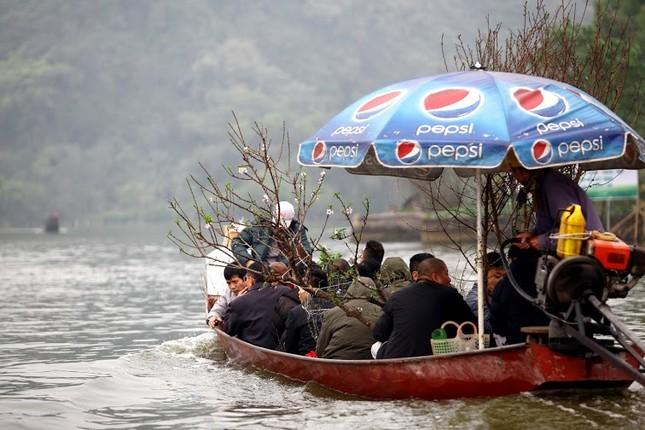 Không khí chuẩn bị lễ hội năm Kỷ Mùi 2015 rộn ràng ở Chùa Hương - anh 24