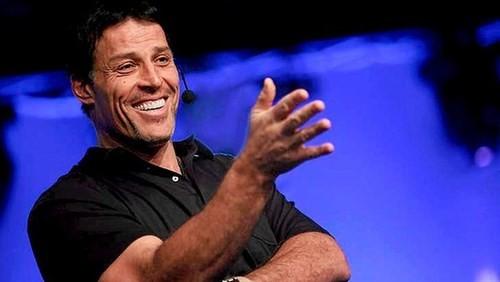 Tony Robbins bật mí bí quyết làm giàu nhanh - anh 1