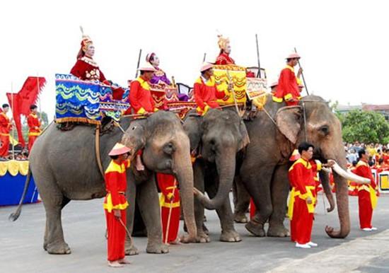 7 lễ hội lớn sau Tết không thể bỏ qua ở miền Trung và Nam Bộ - anh 4