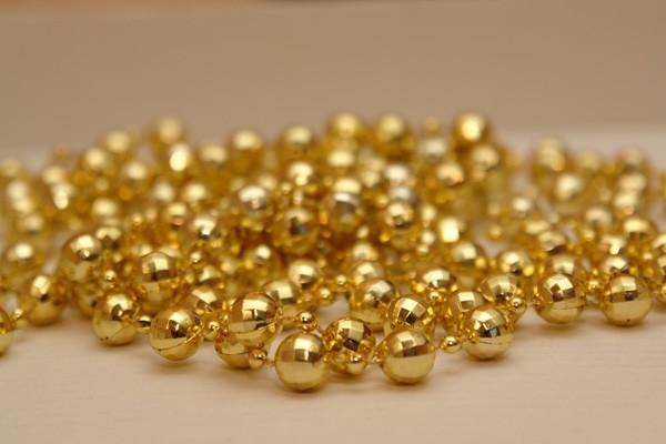 Giá vàng hôm nay 1/4: Giá vàng trong nước tăng nhẹ, vàng thế giới vẫn ở mức thấp - anh 1