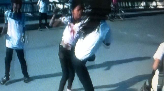 Cà Mau: 2 học sinh lớp 6 đánh nhau bị đuổi học 10 ngày - anh 1