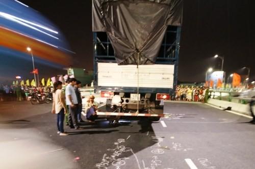 Đà Nẵng: Tai nạn chết người đầu tiên trên cầu vượt lớn nhất VN - anh 1
