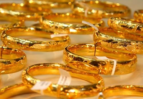 Giá vàng hôm nay 6/4: Đầu tuần, giá vàng đồng loạt tăng mạnh - anh 1