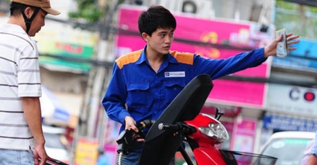 Thuế nhập khẩu xăng dầu sẽ chính thức giảm từ hôm nay (14/4) - anh 1
