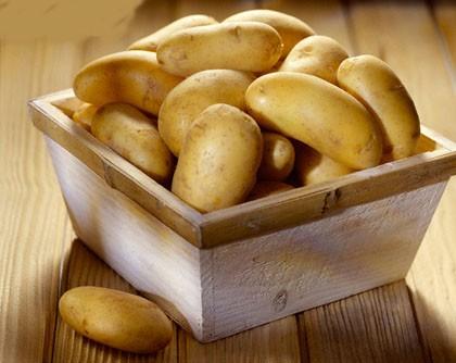 """""""Nằm lòng"""" bí quyết làm đẹp từ khoai tây - anh 1"""