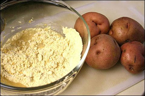 """""""Nằm lòng"""" bí quyết làm đẹp từ khoai tây - anh 5"""