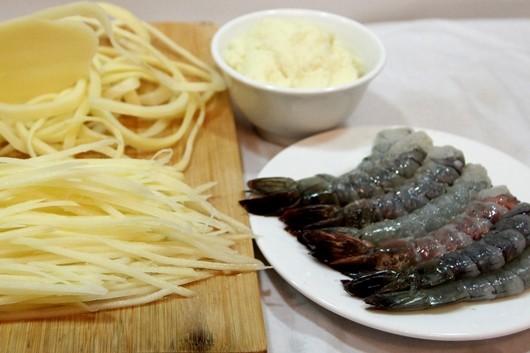 Cách làm tôm cuộn khoai tây giòn rụm chiêu đãi cả nhà - anh 7