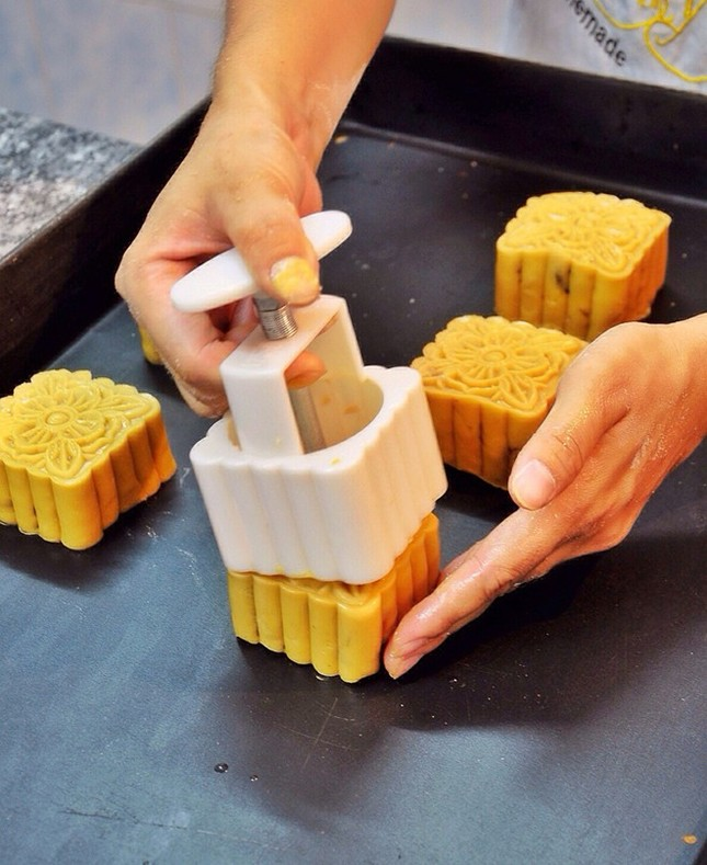 Cách làm bánh nướng nhân thập cẩm đón Trung thu - anh 9