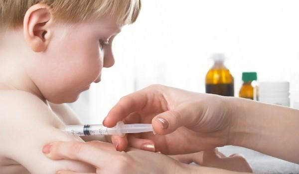 Những điều cha mẹ cần cân nhắc khi cho con tiêm vắc-xin quinvaxem - anh 2