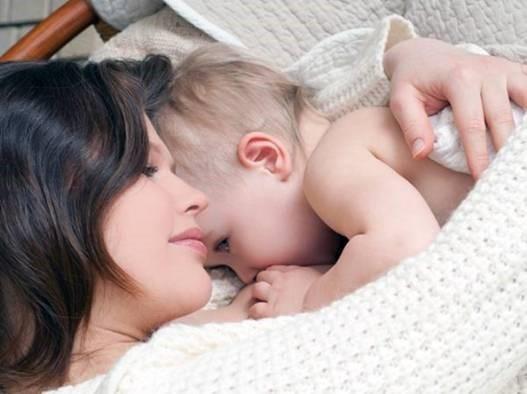 Những lưu ý quan trọng khi chăm sóc trẻ trong mùa đông mẹ cần nhớ - anh 1
