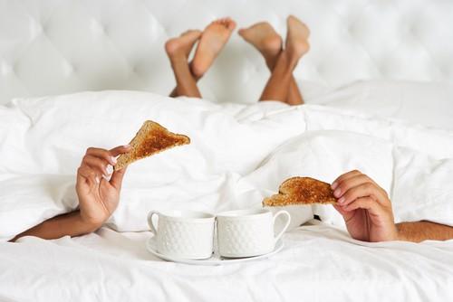 """Những lợi ích không ngờ của việc """"yêu"""" vào buổi sáng - anh 1"""
