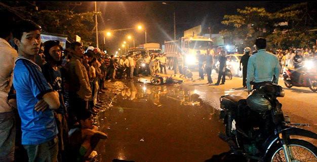 Đồng Nai: Cả gia đình chết thảm dưới bánh xe container - anh 2