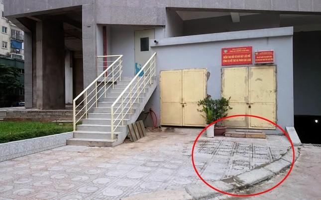 Hà Nội: Bé trai 5 tuổi rơi từ tầng 22 chung cư - anh 2
