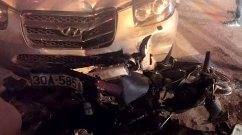 Hà Nội: 2 xe ôtô đuổi nhau gây tai nạn nghiêm trọng trên đường Phạm Hùng - anh 2