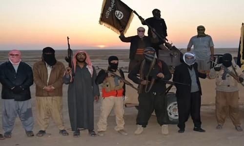 IS tung video kêu gọi tấn công nước Pháp - anh 1
