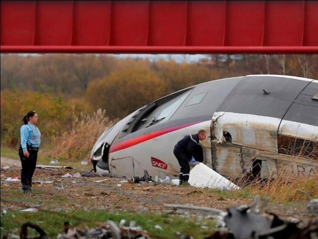 Tai nạn đường sắt ở Pháp, hơn 40 người thương vong - anh 2