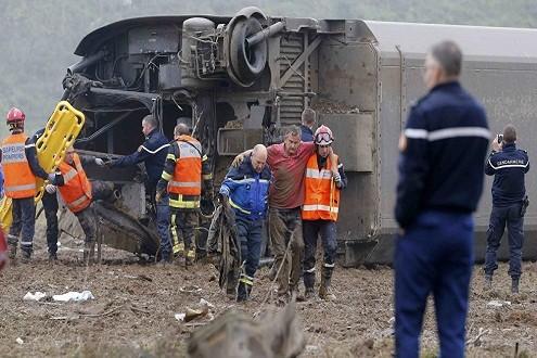 Tai nạn đường sắt ở Pháp, hơn 40 người thương vong - anh 3