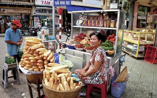 Thức ăn vỉa hè Việt lọt top trải nghiệm không thể bỏ lỡ - anh 1