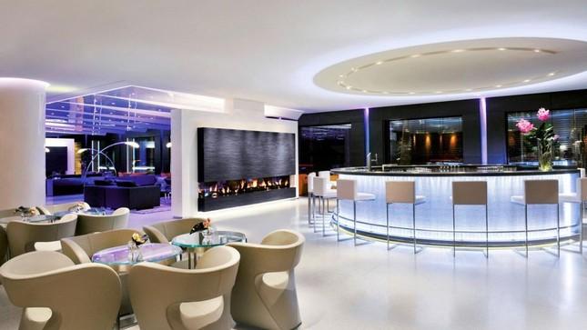Bên trong phòng khách sạn có giá gần 2 tỷ đồng/ đêm - anh 13