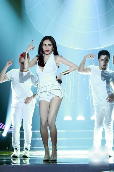 5 nữ ca sĩ có thân hình 'bỏng' nhất Việt Nam - anh 2