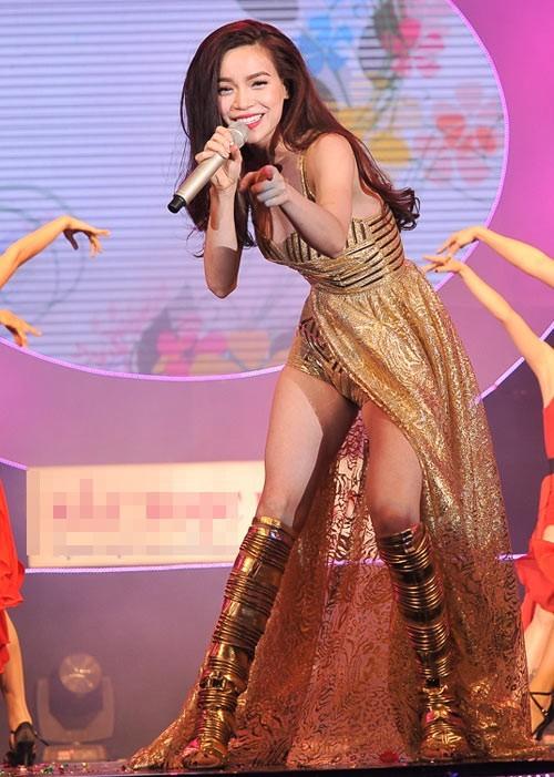 5 nữ ca sĩ có thân hình 'bỏng' nhất Việt Nam - anh 3