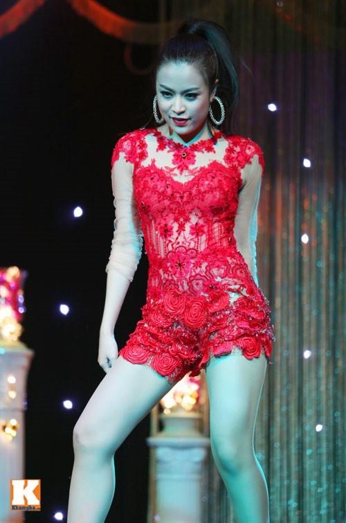 5 nữ ca sĩ có thân hình 'bỏng' nhất Việt Nam - anh 6