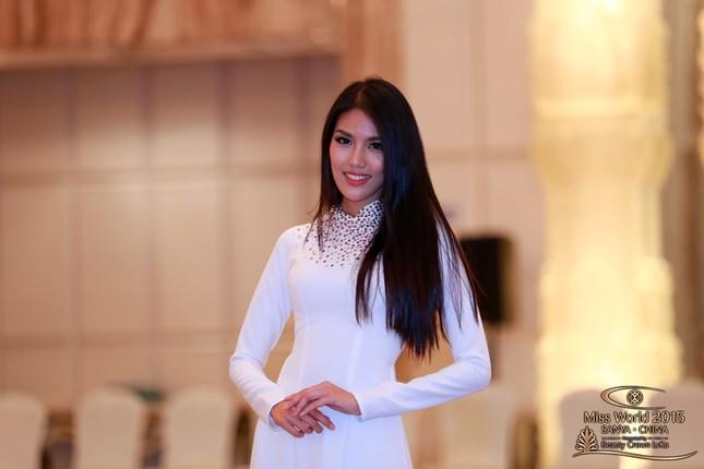 """Trần Ngọc Lan Khuê nổi bật trong """"rừng"""" người đẹp Hoa hậu Thế giới 2015 - anh 1"""