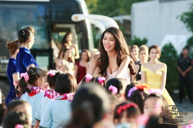 """Trần Ngọc Lan Khuê nổi bật trong """"rừng"""" người đẹp Hoa hậu Thế giới 2015 - anh 5"""