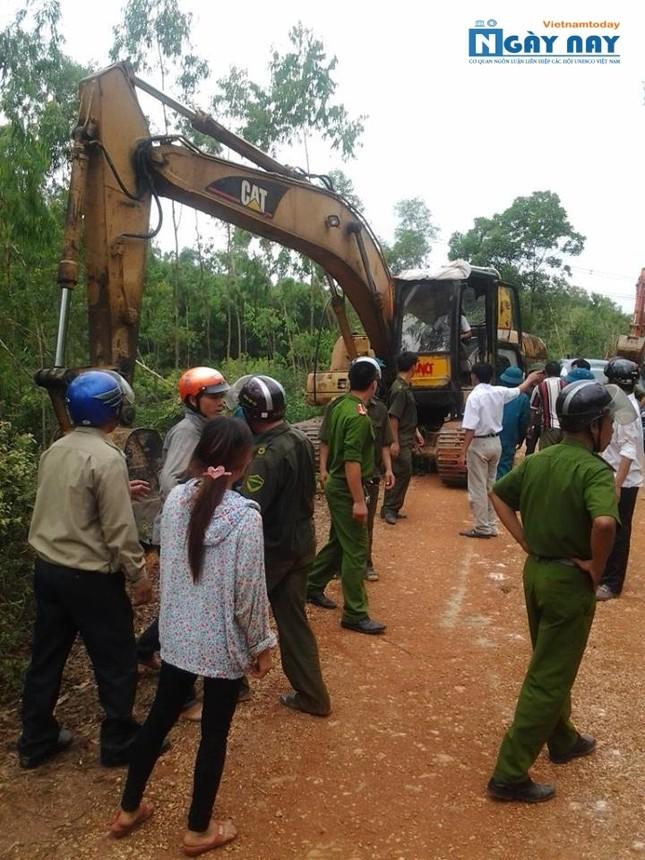 Nhiều khuất tất trong dự án làm đường ở Hà Tĩnh - anh 1