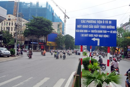 Hà Nội bất ngờ dỡ bỏ lệnh cấm ô tô qua tuyến đường huyết mạch - anh 9