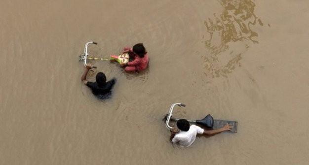 Mưa lũ nghiêm trọng tại Ấn Độ, Pakistan: Hơn 100 người chết - anh 1
