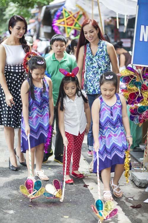Sao Việt hạnh phúc đón Trung thu bên những thiên thần nhí - anh 2