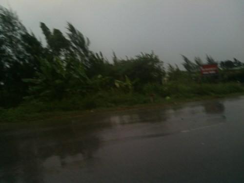 Tin bão: Các tỉnh ven biển hối hả chạy bão Kalmaegi - anh 2