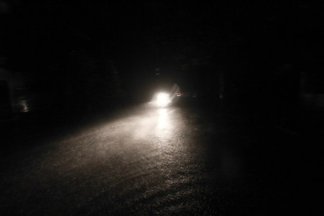 Tin bão sáng 17/9: Đường phố tan hoang sau bão số 3 - anh 6
