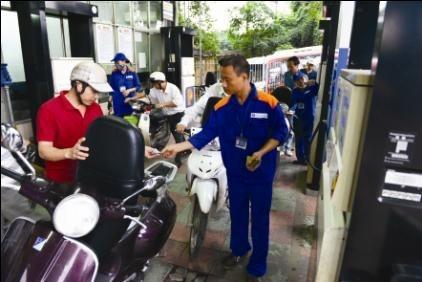 Thị trường xăng dầu: Cần minh bạch và rõ ràng hơn - anh 1