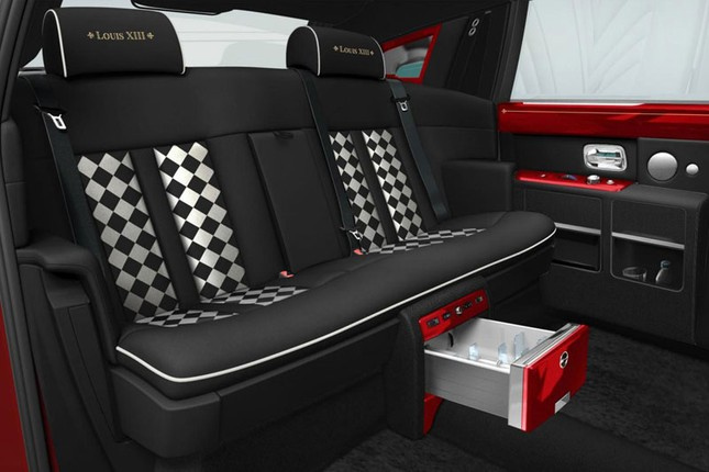 Tiết lộ về tỷ phú Hồng Kông sắm 30 xe Rolls-Royce - anh 6
