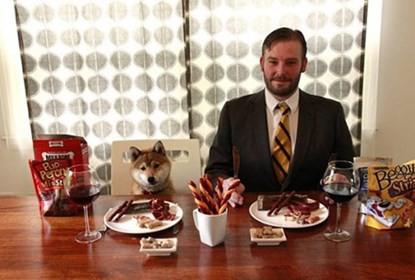 Kiếm tiền tỷ nhờ nếm thức ăn của chó - anh 2