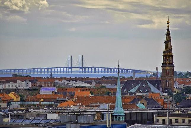 Cây cầu Oresund: Sự kết hợp hoàn hảo bởi kỹ thuật và khả năng sáng tạo - anh 2