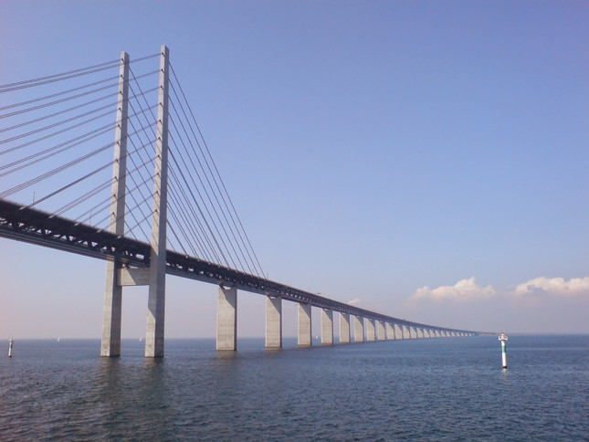 Cây cầu Oresund: Sự kết hợp hoàn hảo bởi kỹ thuật và khả năng sáng tạo - anh 3