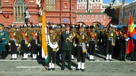 Toàn cảnh lễ duyệt binh hào hùng trên Quảng trường Đỏ kỷ niệm 70 năm chiến thắng phát xít Đức - anh 1