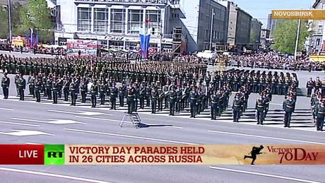 Toàn cảnh lễ duyệt binh hào hùng trên Quảng trường Đỏ kỷ niệm 70 năm chiến thắng phát xít Đức - anh 11