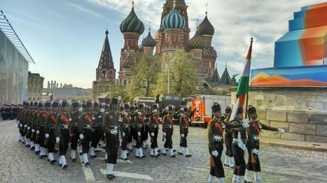 Toàn cảnh lễ duyệt binh hào hùng trên Quảng trường Đỏ kỷ niệm 70 năm chiến thắng phát xít Đức - anh 2
