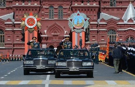 Toàn cảnh lễ duyệt binh hào hùng trên Quảng trường Đỏ kỷ niệm 70 năm chiến thắng phát xít Đức - anh 4