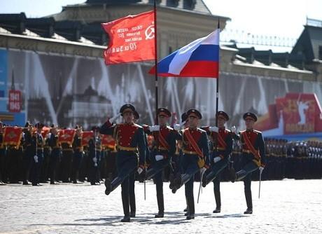Toàn cảnh lễ duyệt binh hào hùng trên Quảng trường Đỏ kỷ niệm 70 năm chiến thắng phát xít Đức - anh 5
