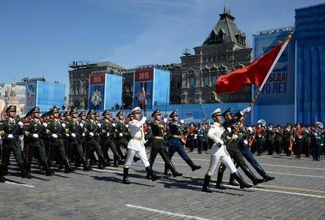Toàn cảnh lễ duyệt binh hào hùng trên Quảng trường Đỏ kỷ niệm 70 năm chiến thắng phát xít Đức - anh 7