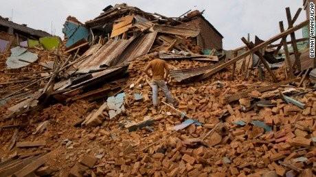 Mới nhất: Nepal lại rung chuyển vì động đất - anh 1