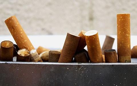 Tạo ra điện từ những đầu lọc thuốc lá đã qua sử dụng - anh 1