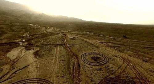 Bí ẩn những vòng tròn đá kỳ lạ trên thế giới - anh 1