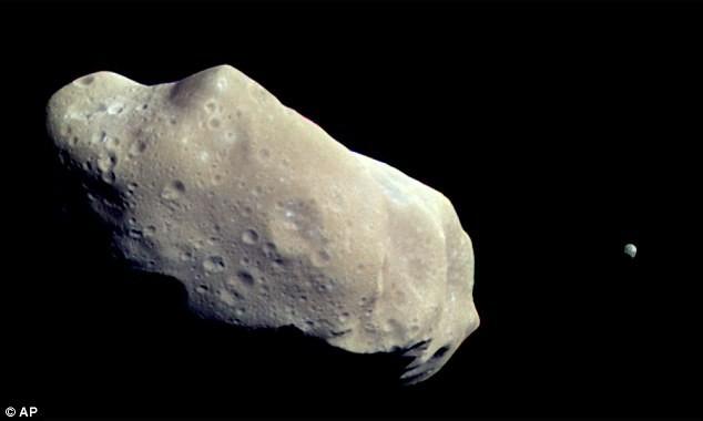 Ngày mai, tiểu hành tinh chứa 90 triệu tấn bạch kim sẽ lướt qua Trái đất - anh 3