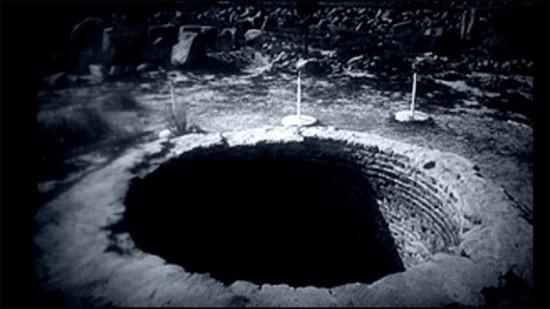 Sáng tỏ bí ẩn những chiếc hố không đáy và mối quan hệ với Tam giác Bermuda - anh 2